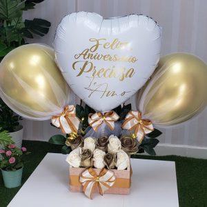 rosas doradas y blancas con globo personalizado santo domingo